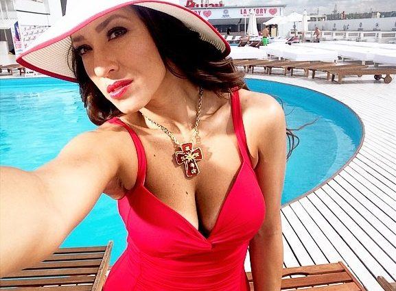 В сеть попали пикантные фото Натальи Карпы в бикини (фото)