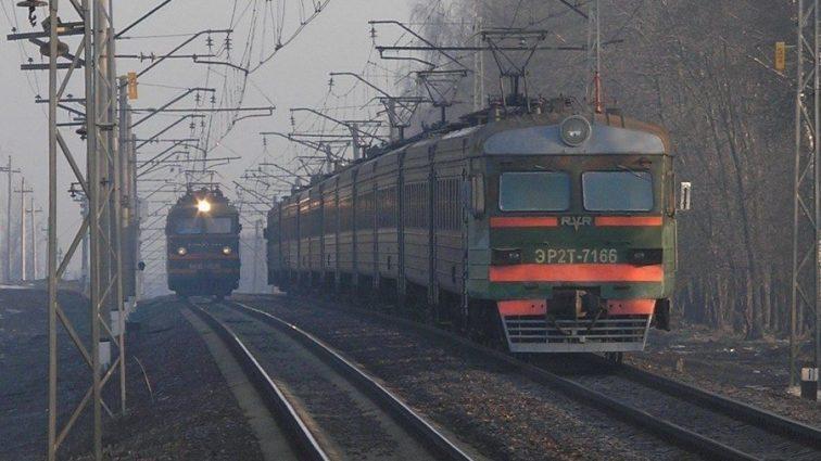 Участники популярной группы попали под поезд (ФОТО)