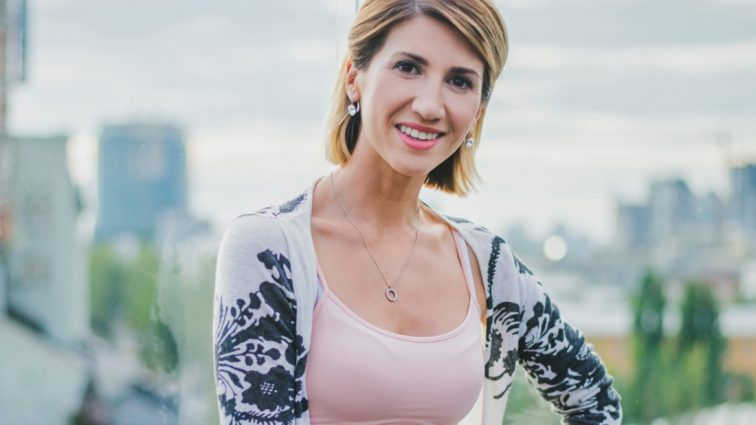Эксклюзив: Анита Луценко показала полугодовую дочь-красавицу (ФОТО)
