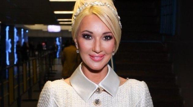 Леру Кудрявцеву в бикини сравнили с куклой Барби (фото)