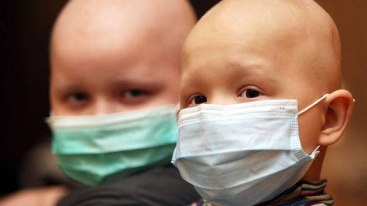 Вся страна затаила дыхание: в известной актрисы маленький сынишка болен раком
