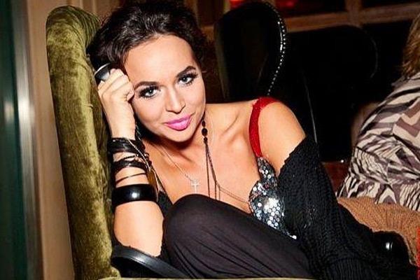 Певица Маша Фокина показала эротическое фото в крошечном бикини (18+)