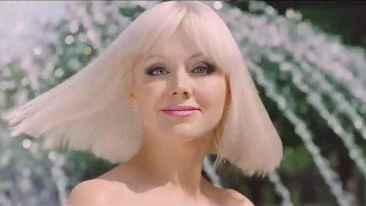 Бейби-бум: 42-летняя певица Натали третий раз беременная