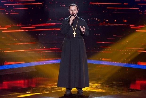 Священник из шоу Голос Страны считает Героев Небесной Сотни безумцами и не уважает канал 1+1