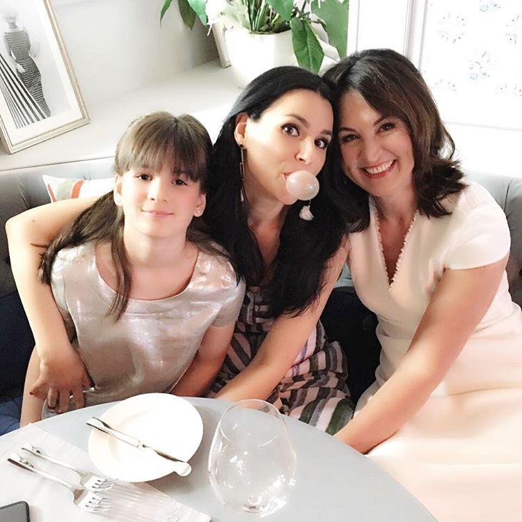 маша ефросинина и ее семья фото легкий, приятнейший