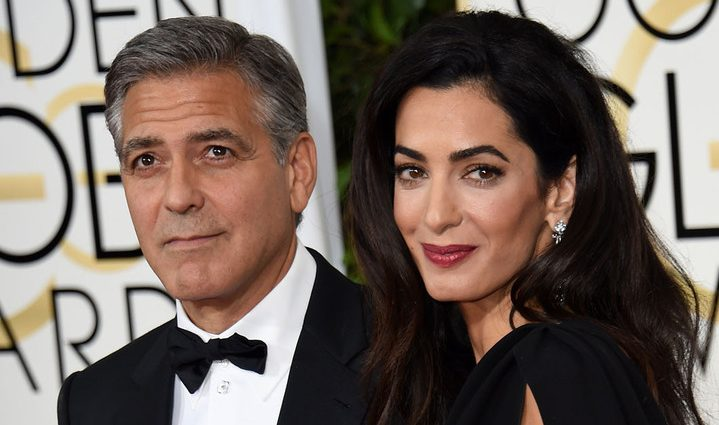 Амаль Клуни впервые вышла в свет с округлившимся животиком (фото)