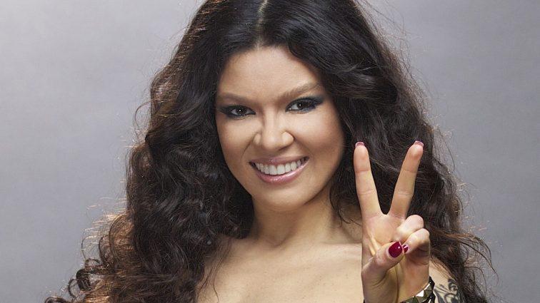 Руслана без макияжа показала незаурядные кубики пресса в гуцульском танце