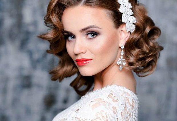 Для стильных невест: свадебные прически на короткие и средние волосы (фото)