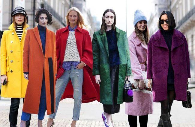 Главный весенний тренд — яркое длинное пальто