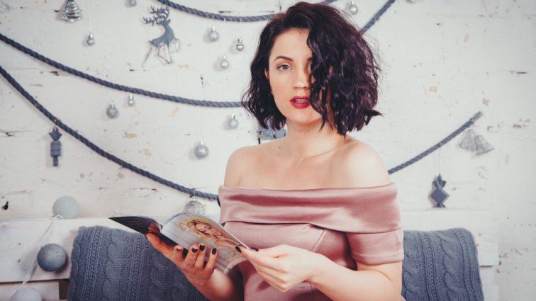 Оля Цибульская примерила платья в национально стиле (ФОТО)