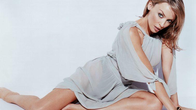 Кайли Миноуг призналась, что тяжело переживала измены бойфренда