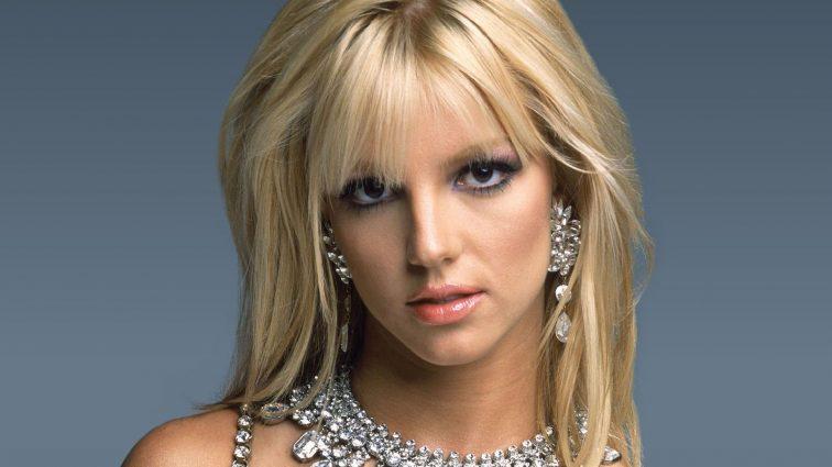 Превзошла саму себя: обольстительная Бритни Спирс ошеломила своих фанатов неожиданным поступком. Что она вытворяет?