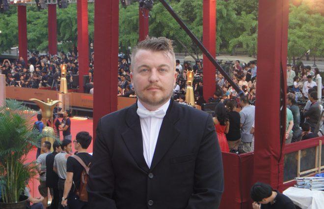Как Алексей Залевский приковал к стене украинскую певицу