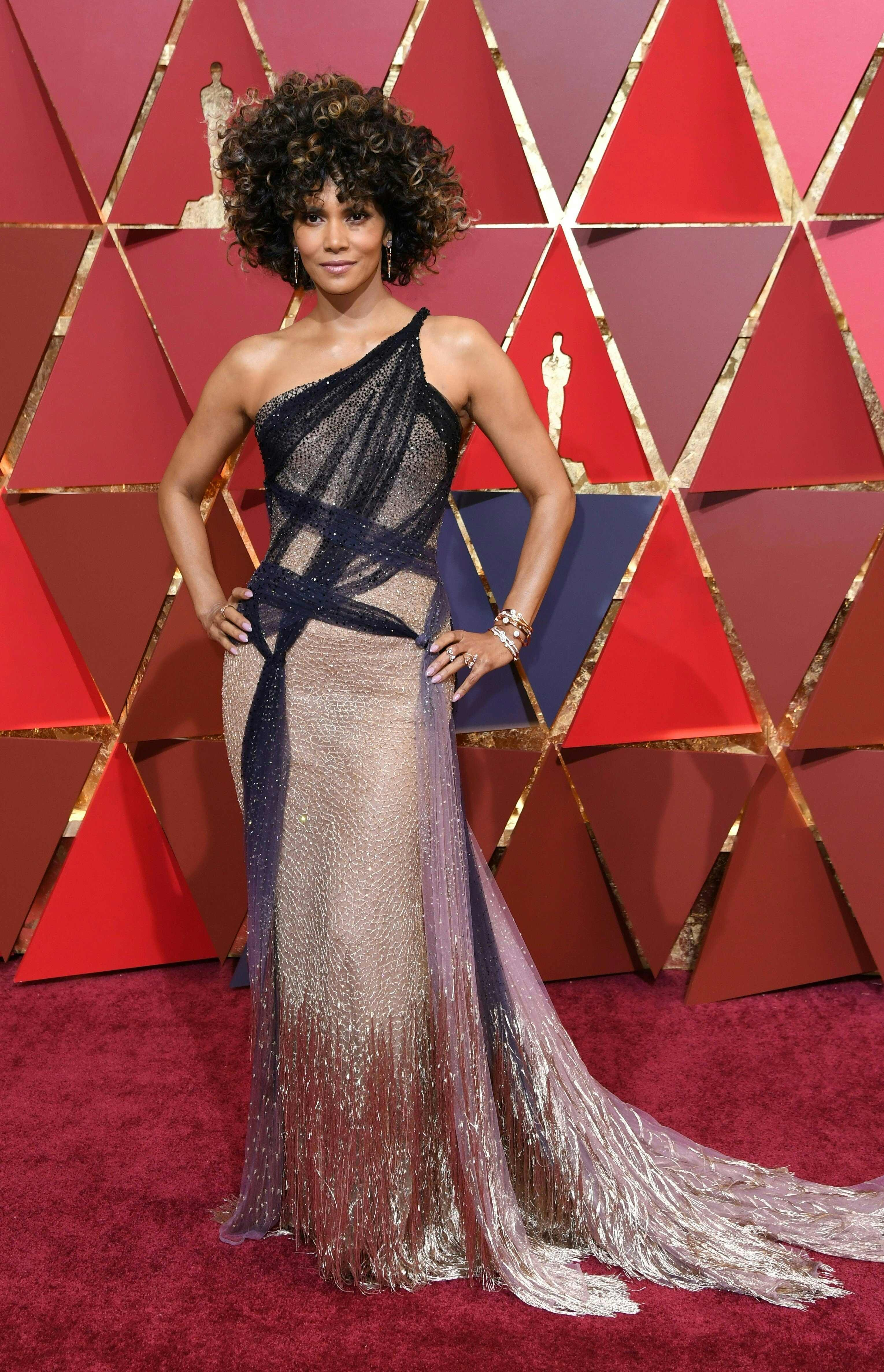 halle_berry_attends_1