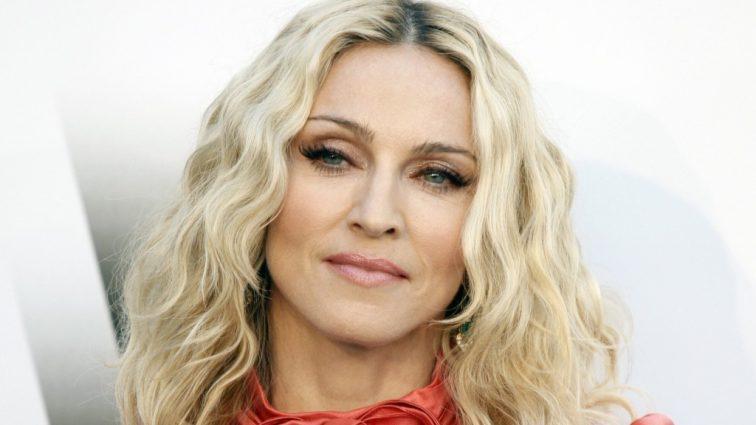 Сенсация: Мадонна впервые показала фото своих новых детей-близнецов