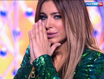 Лицемерная предательница! Ани Лорак во время концерта в России признавалась в любви к Украине (ВИДЕО)