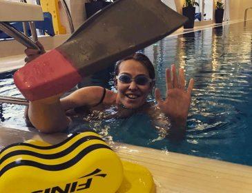 Сын Ксении Собчак учится плавать