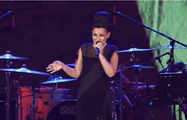 Фанаты возмущены: Певица Елка разделась для пикантной фотосессии (фото)