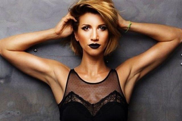 Прикрой сосочки: обольстительная Анита Луценко вышла на публику без белья и в нее выпала огромная грудь (ФОТО +18)