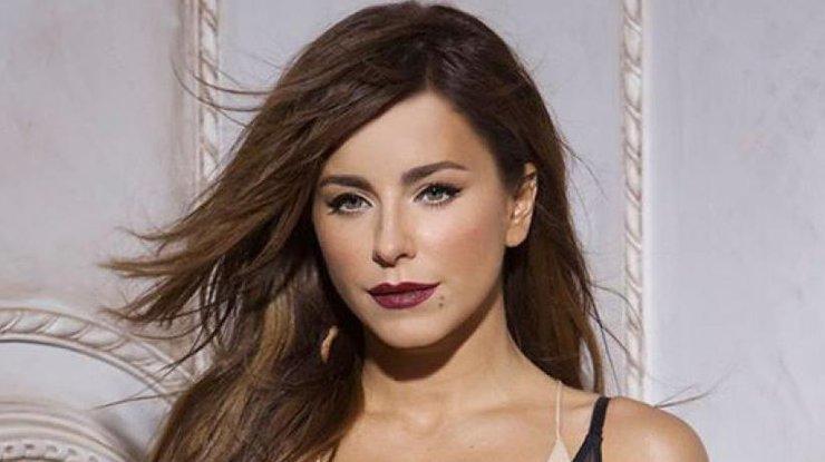 Позажималися: Ани Лорак поймали на горячем с известным российским певцом