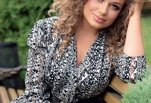Показала все свои прелести: горячая Яна Соломко поразила неприличным платьем (ФОТО)