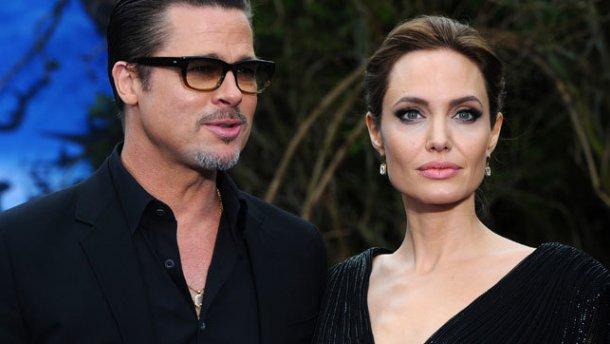 Что происходит у этой парочки? СМИ обнародовали последние подробности жизни Джоли и Питта! Вы будете удивлены