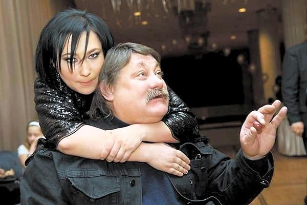 Вот тебе и имеешь: Полина Гагарина шокировала всех своим округлившимся животиком! (ФОТО)