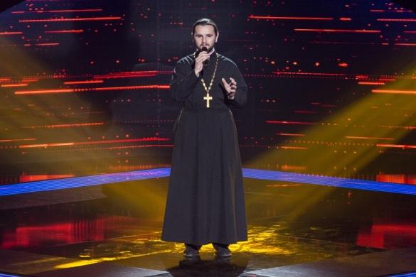 Это тебе, а это мне: Священник из «Голоса Страны» объяснил свой поступок в финале. Вы упадете от его слов!