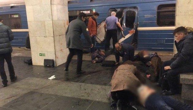 Страшное горе… Известный на всю страну певец потерял близкого человека в теракте в Петербурге