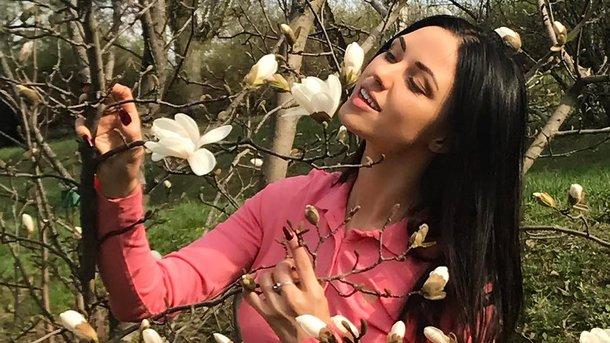 Известная певица опозорилась на всю страну, показав грудь всему Инстаграмму (ФОТО)