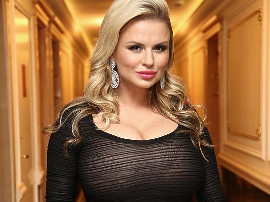 Совсем стыд потеряла: Анна Семенович взорвала сеть своими обнаженными фотографиями!