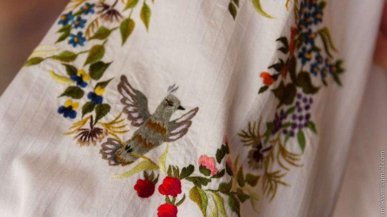 Что носить в апреле: 7 модных новинок с цветочным принтом