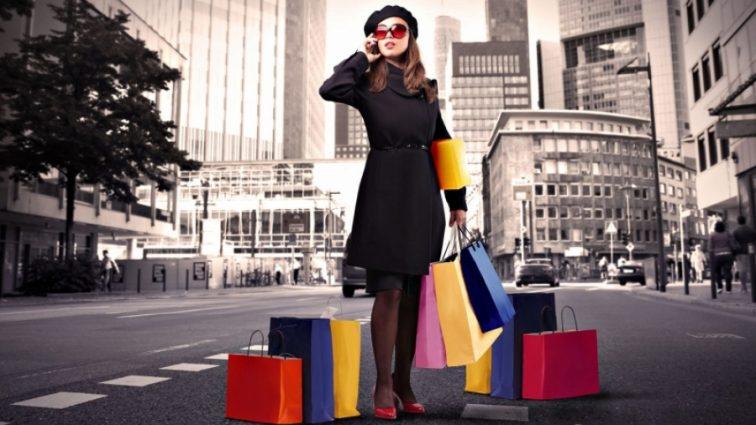 Ученые раскрыли страшную женскую тайну. Почему женщины любят шопинг?