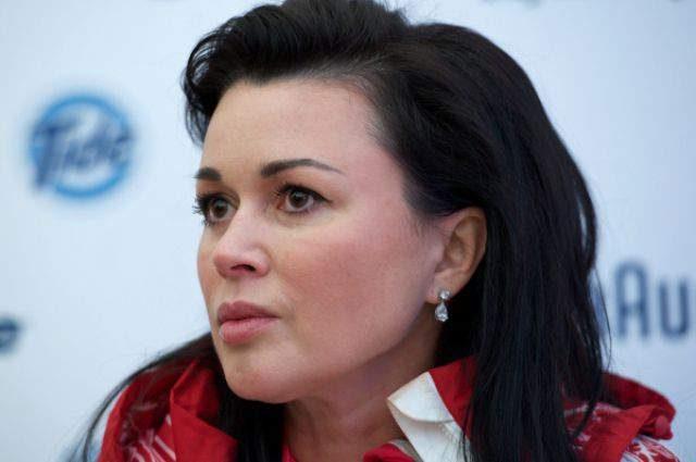Страшилка!!! Анастасия Заворотнюк окончательно исказила лицо пластикой. Вы ее не узнаете