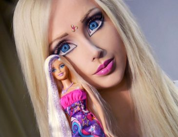 Могла бы уже и не прикрывать!!! Одесская «Барби» показала ТАКОЕ! Только для взрослых мальчиков (18+)