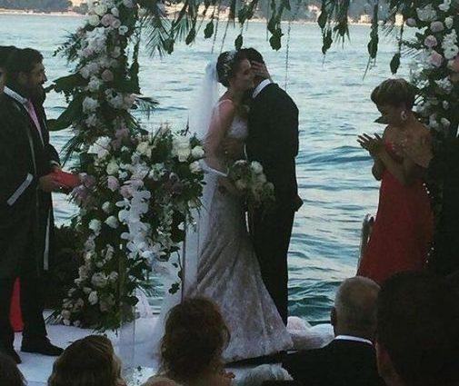 Звезда сериала «Величественный века» устроил роскошную свадьбу! Фото от, которых у Вас голова пойдет кругом!