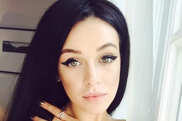 Будто не мылась… Мария Яремчук показала неудачный темный макияж