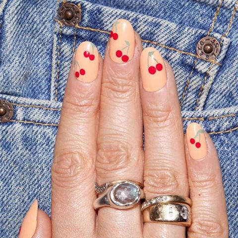 elle-red-nail-designs-alicia