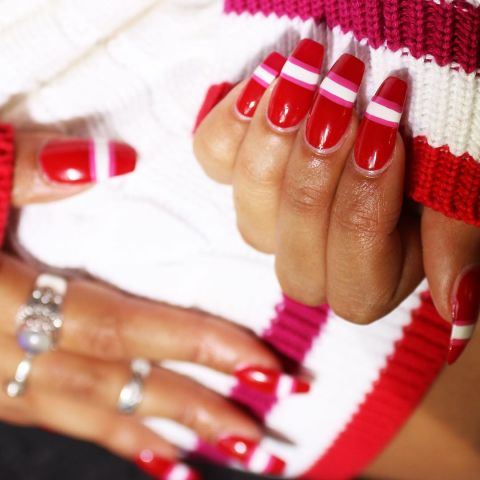 elle-red-nails-wah