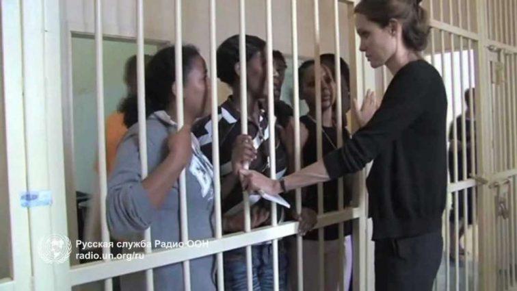 ТРЕВОГА!!! То, что Джоли хочет сделать с детьми после развода шокировало весь мир