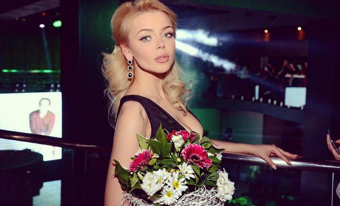 Платье года!!! Алина Гросу показала невероятное платье и букет из 555 роз, вы упадете от этой роскоши