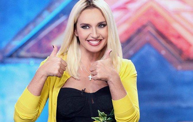 Будто из болота вылезла… Оксана Марченко вышла на сцену в жалком зеленом платье, поклонники обалдели