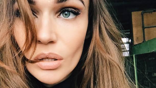 Трудно сдержать эмоции: Алена Водонаева опубликовала интимное фото с любимым! (18+)