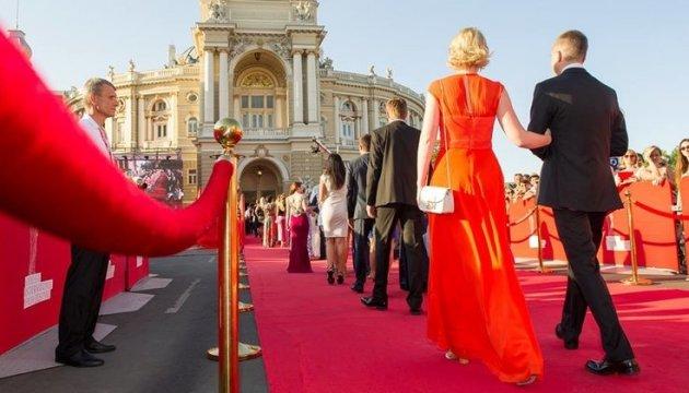 Голливуд отдыхает! Украинские звезды удивили всех на открытии Одесского кинофестиваля. Такого от них никто не ожидал