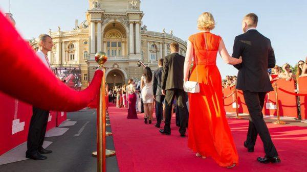 «Трусы сползли…» В Сети обсуждают курьезы Одесского кинофестиваля. Такого вы точно не видели