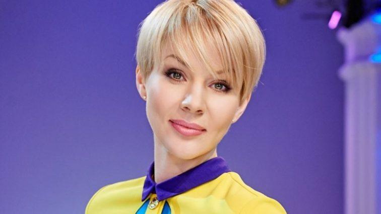 Да это не она… Известная ведущая Марина Леончук показала фото без макияжа, никто такого не ожидал