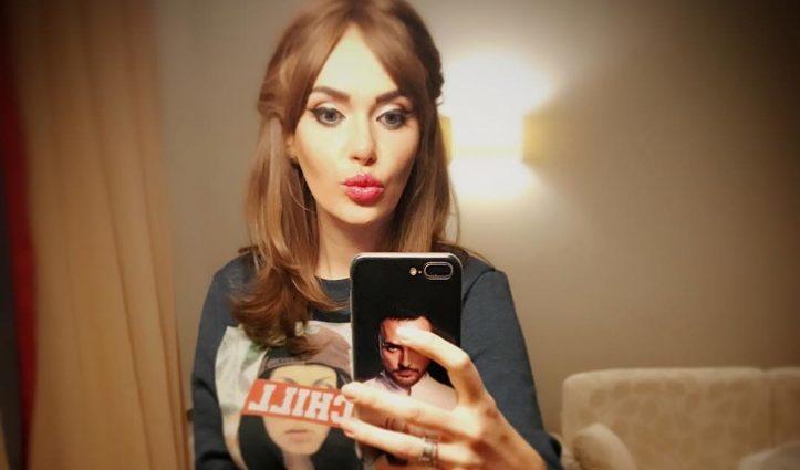 Слава Каминская шокировала пижамой с фотографиями детей