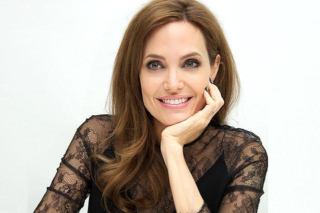 Только не падайте!!! Стал известным рацион питания Анджелины Джоли, оказывается, она ест не каждый день