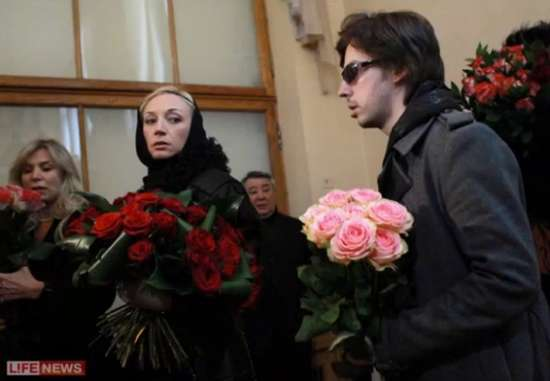 «Не стало замечательной и яркой звезды»: Умерла известная российская актриса. Поклонники не могут прийти в себя