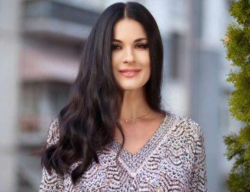 Маша Ефросинина пришла на светское мероприятие в роскошном платье с красавцем-мужем